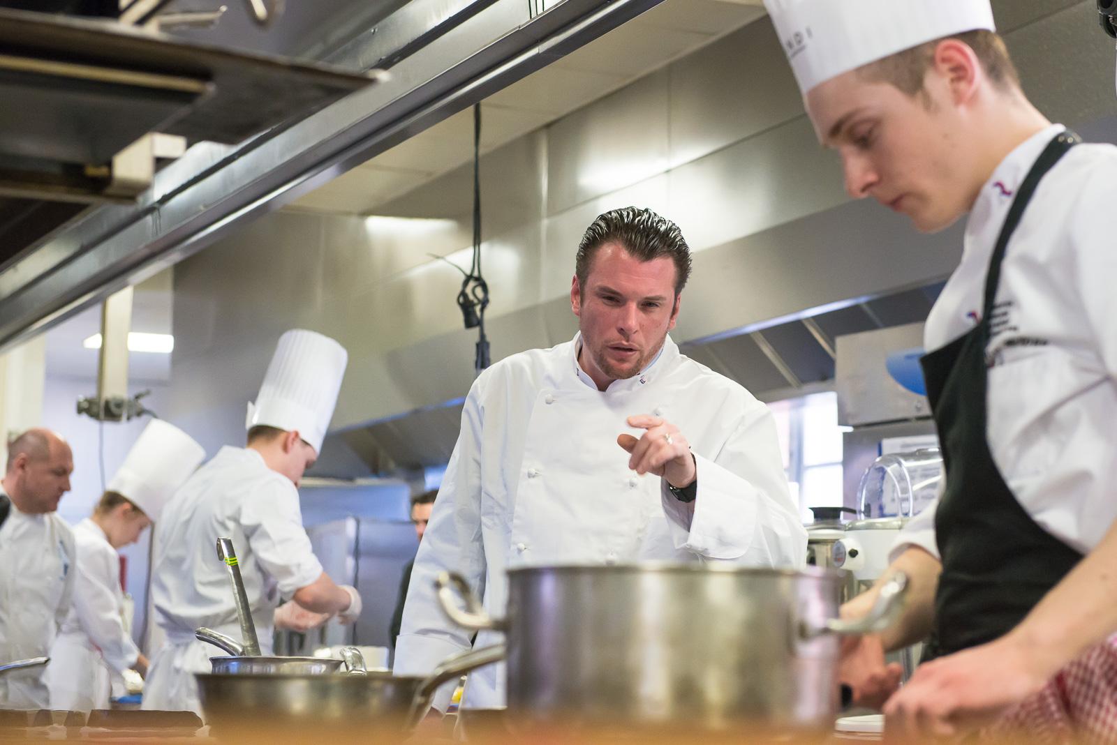 Finale concours jeunes talents ma tres restaurateurs cole ferrandi paris jl vandeviv re - Cours de cuisine norbert ...